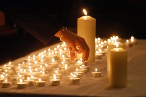 Hand_Candles